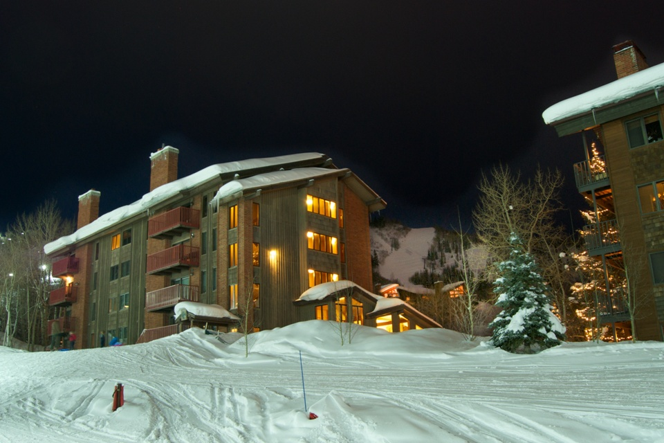 Spectacular Slopeside Unit in Bear Claw