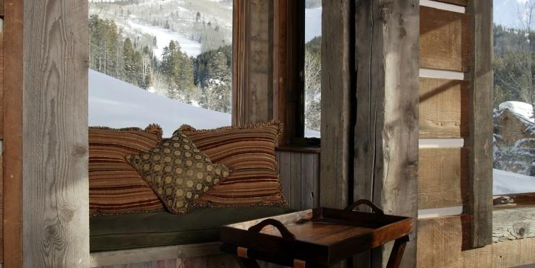 Zdeblick Den Window Seat