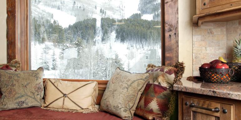 Zdeblick Kitchen Window Seat