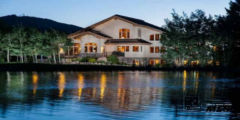 Ron Mangus masterpiece built to take in all of Colorado living at its best!