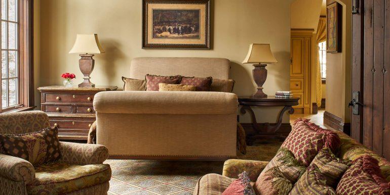Stonebridge-Interiors-12-18-17-Master-Bedroom-Bed-Detail-Web
