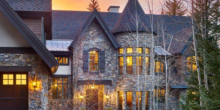 Stonebridge-Residence-Dusk-12-02-17-Front-Elevation-Crop-Web